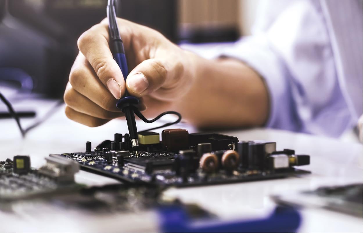 優れた技術者へと育て上げる、独自の育成メソッドを確立